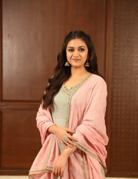 Keerthy Suresh Photos at Sandakozhi 2 Interview