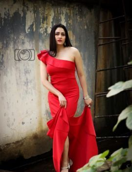 Tamil Actress Komal Sharma Latest Photoshoot Stills