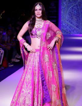 Kriti Sanon at India International Jewellery Week 2015