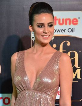 Larissa Bonesi Stills at IIFA Awards 2017