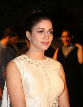 Lavanya Tripathi Stills at Gemini TV Puraskaralu 2016