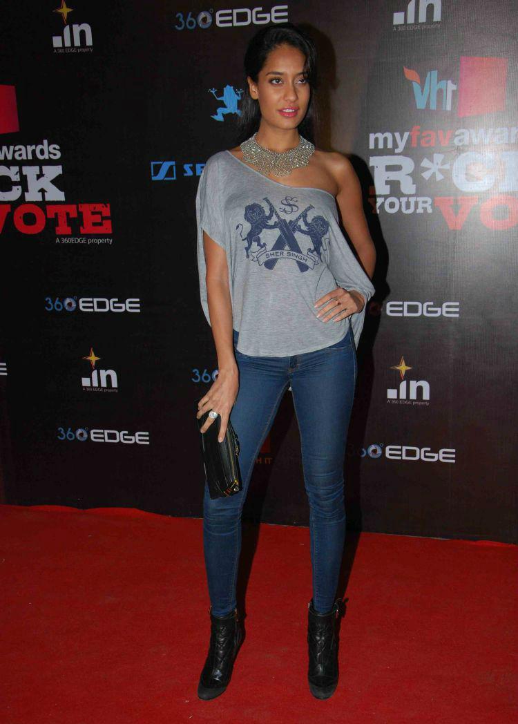 Lisa Haydon at VH1 Rock Your Vote