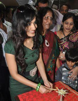 Madhavi Latha Stills at Sleepwell World Store Launch