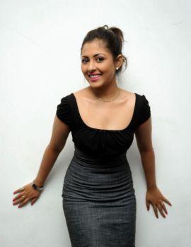 Madhu Shalini at Vundile Manchi Kalam Mundu Munduna Audio Release