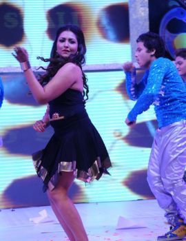 Madhu Shalini Dance Performance at Tollywood Channel Launch
