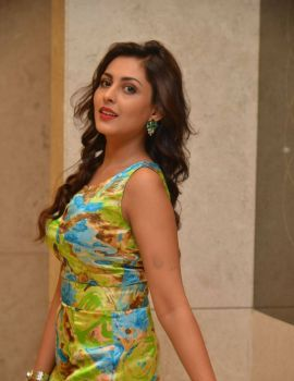 Madhu Shalini Photos at Bhavanthi Movie Press Meet