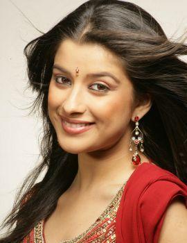 Telugu Actress Madhurima Cute Stills