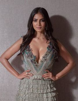 Malavika Mohanan Stills at Lakme Fashion Week 2019