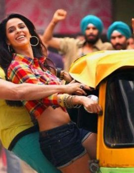 Mallika Sherawat hot stills from movie Kismat Love Paisa Dilli
