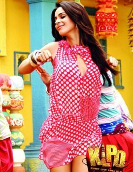 Mallika Sherawat hot stills from movie Kismat Love Paisa Dilli