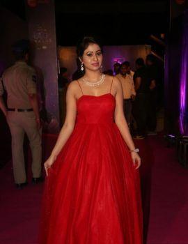 Manali Rathod in Red hot dress at Zee Apsara Awards 2018