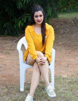 Mannara Chopra Photos in Yellow Top at Hi 5 Movie Sets