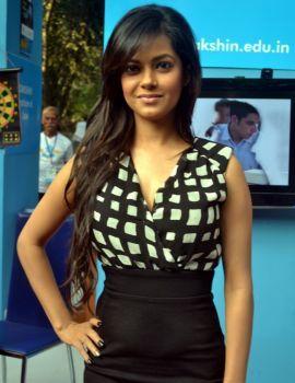 Meera Chopra at IIT Saarang 2014 Function