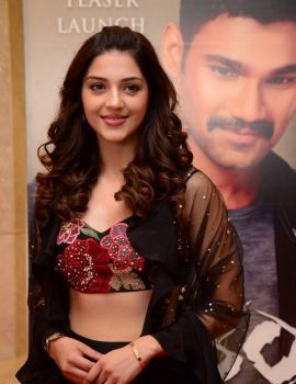 Mehreen Pirzada at Kavacham movie Teaser Launch