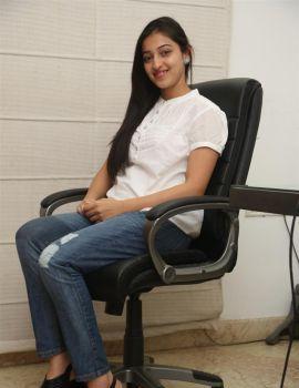 Intlo Deyyam Nakem Bhayam Heroine Mouryani Interview Stills