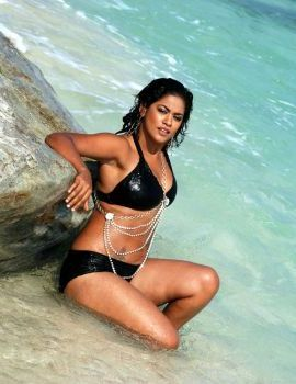 Mumaith Khan Swimsuit Stills in Telugu movie Punnami Nagu