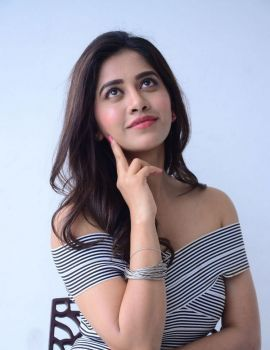 Nabha Natesh Stills at Nannu Dochukunduvate Interview