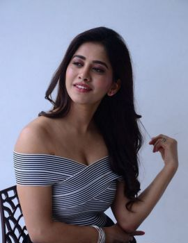 Nabha Natesh Stills at Nannu Dochukunduvate Interview