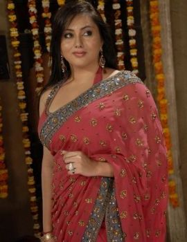 Namitha Kapoor in Saree in Telugu movie Love College