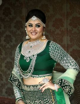 Namitha Kapoor Latest Photos at Santhoshi One Day Makeup & Hair Seminar