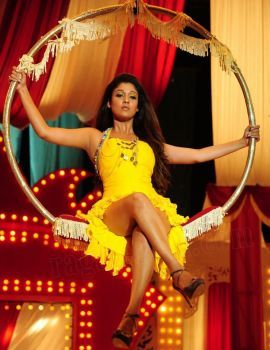 Nayanthara Hot Thunder Thighs Show in Yellow Dress