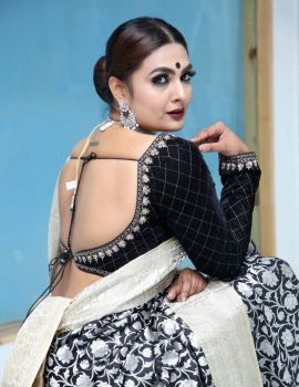 Neha Deshpande at Meenakshi The Royal Couture Grand Opening