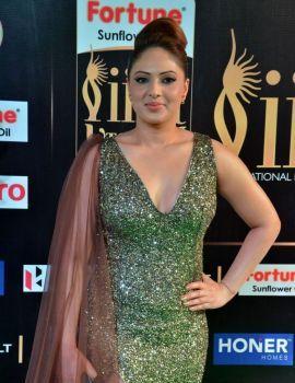 Nikesha Patel at IIFA Utsavam Awards 2017