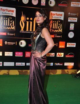 Nikita Thukral Stills at IIFA Utsavam Awards 2016