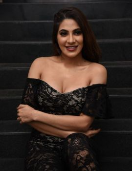 Nikki Tamboli Photos at Chikati Gadhilo Chithakotudu Movie Pre Release Event