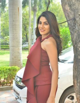 Nikki Tamboli Stills at Chikati Gadilo Chitha Kotudu Movie Trailer Launch