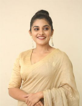Nivetha Thomas Photos in Saree at Darbar Movie Pre-Release
