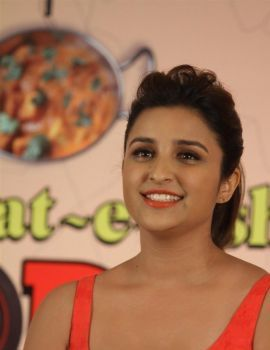 Parneethi Chopra at Daawat-E-Ishq Film Press Meet