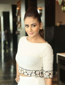 Parul Yadav Latest Stills at IIFA Awards 2016