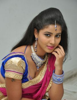 Pavani in Saree at Eluka Majaka Audio Launch