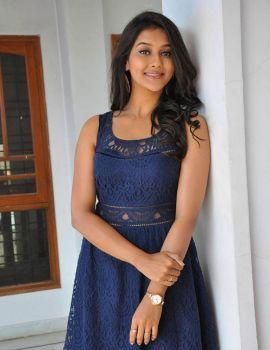 Pooja Jhaveri Photos at Dwaraka Movie Interview