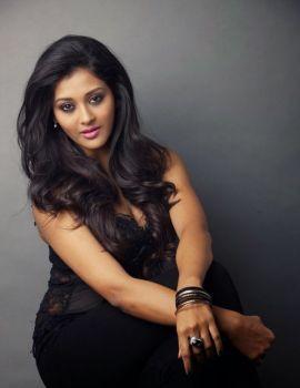 Telugu Actress Pooja Jhaveri Glamorous Photoshoot Stills