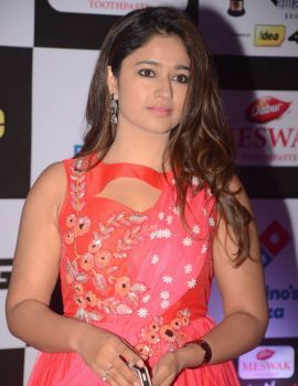 Poonam Bajwa at Mirchi Music Awards 2016