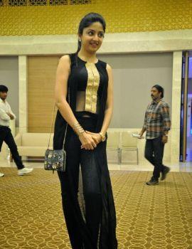 Poonam Kaur at Memu Saitam Cricket Curtain Raiser Event