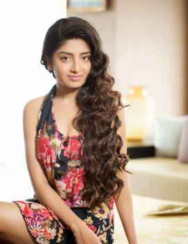 Poonam Kaur Unseen Photoshoot Stills