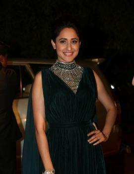 Pragya Jaiswal Photos at Gemini TV Puraskaralu Awards 2016