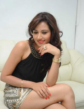 Telugu Actress Preeti Rana Hot Thigh Show Photos