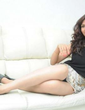 Telugu Actress Preeti Rana Hot Thigh Show Photos