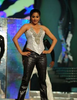Priyamani Dance Performance at Lux Sandal Cinemaa Awards