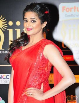 Priyamani in Red Saree at IIFA Utsavam Awards 2016 Day 2