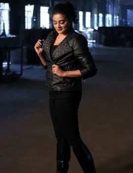 Priyamani Photos in Black Leather Jacket at Sirivennela Movie Shooting Spot