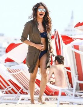 Priyanka Chopra Hot In Bikini On Miami Beach