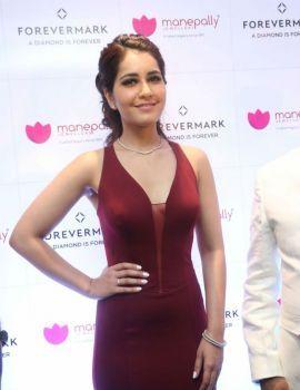 Raashi Khanna Launches Manepally Jewellery