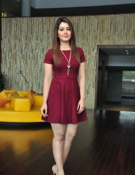 Shivam Heroine Rashi Khanna Latest Hot Photoshoot