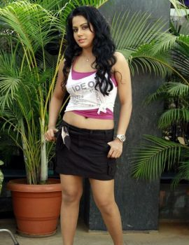 Rachana Maurya in the Telugu Movie Em Babu Laddu Kavala