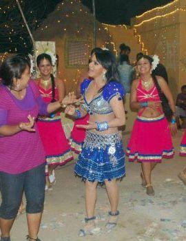Hot Rakhi Sawanth Recording Item Song for